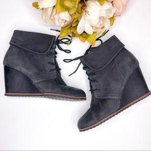 Tresori Size 6 Charcoal Black Leather Wedge Boot